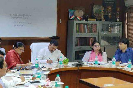 बेसिक का पदभार ग्रहण करते ही डॉ. सतीश चंद्र ने बदले कई नियम, अगर आप शिक्षक हैं तो जरूर पढ़ें