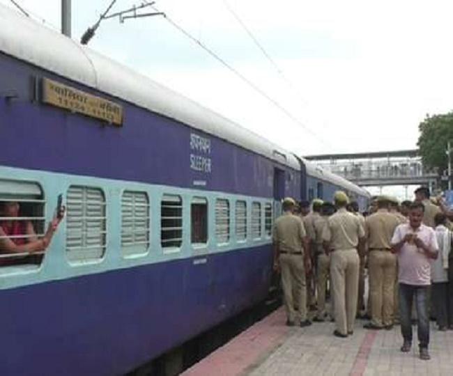 बाराबंकी: रेलवे की लापरवाही, चली जाती कई जान, जानें ऐसा क्यों कह रहे हैं हम