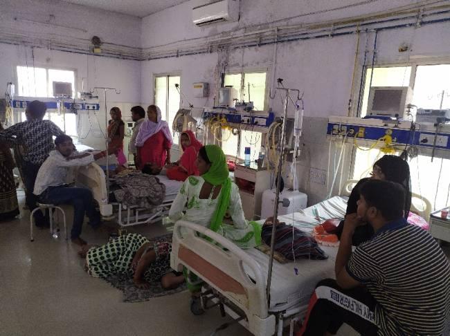 बहराइच: तराई में बुखार बना जानलेवा, दो बच्चों की मौत, 13 भर्ती