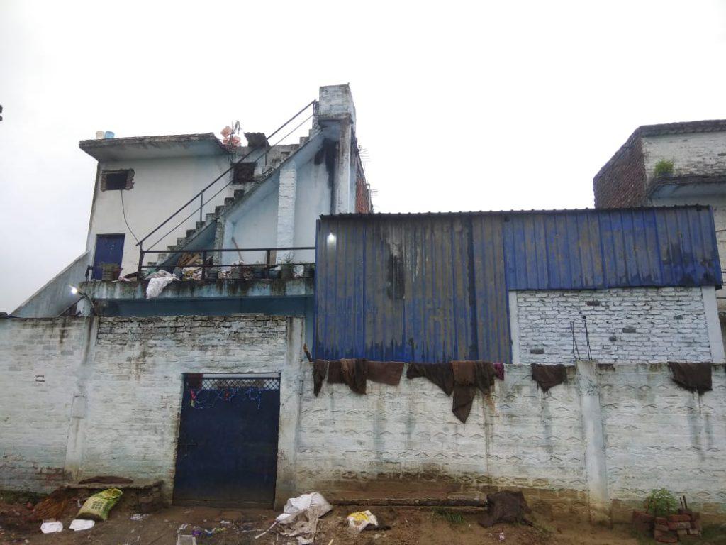 आटा मील में काम रहे रहे श्रमिक की करंट लगने से मौत, मुआवजे की मांग को लेकर चौराहा किया जाम