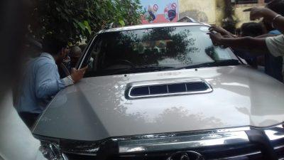 वाराणसी : दिनदहाड़े तहसील एसडीएम कार्यालय में ताबड़तोड़ फायरिंग, गोली मारकर हत्या