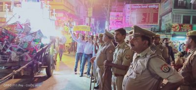 गोरखपुर : मुहर्रम की दसवीं पर जिलाधिकारी व वरिष्ठ पुलिस अधीक्षक ने घुड़सवारी कर जुलुस मार्गो का लिया जायजा