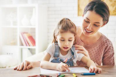 देखभाल / अध्ययन और परीक्षाएं भी पेरेंटिंग का एक महत्वपूर्ण हिस्सा हैं, इस पर बच्चों पर दबाव न डालें