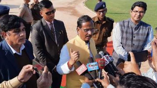 बहराइच पहुंचे उपमुख्यमंत्री डॉ. शर्मा ने बताया, यूपी बोर्ड में 29 परीक्षा केंद्रों को नोटिस जारी