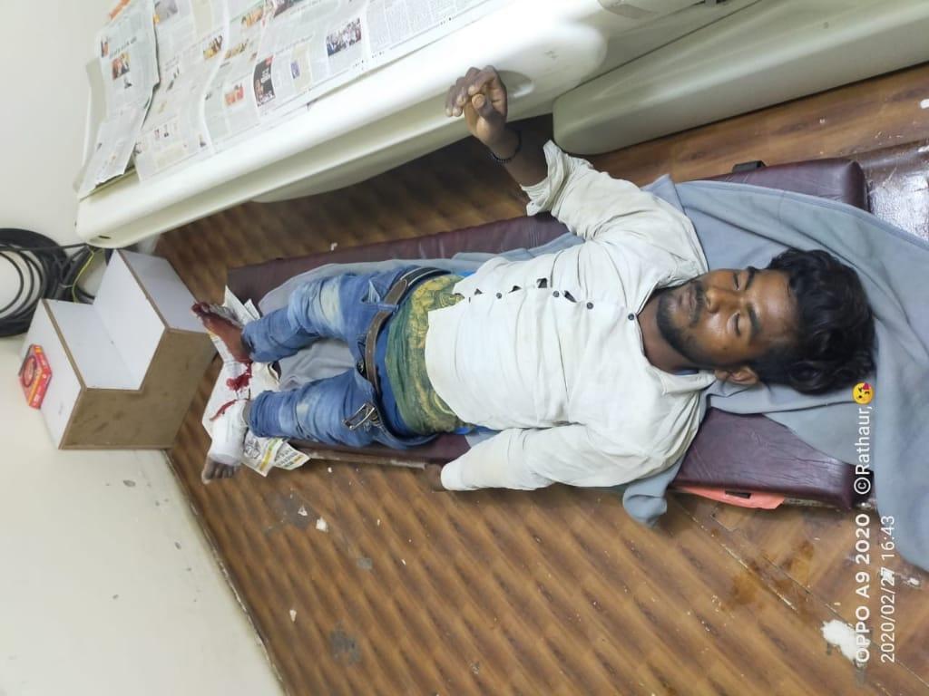 छठवीं मंजिल से नीचे गिरा मजदूर, हालत गंभीर