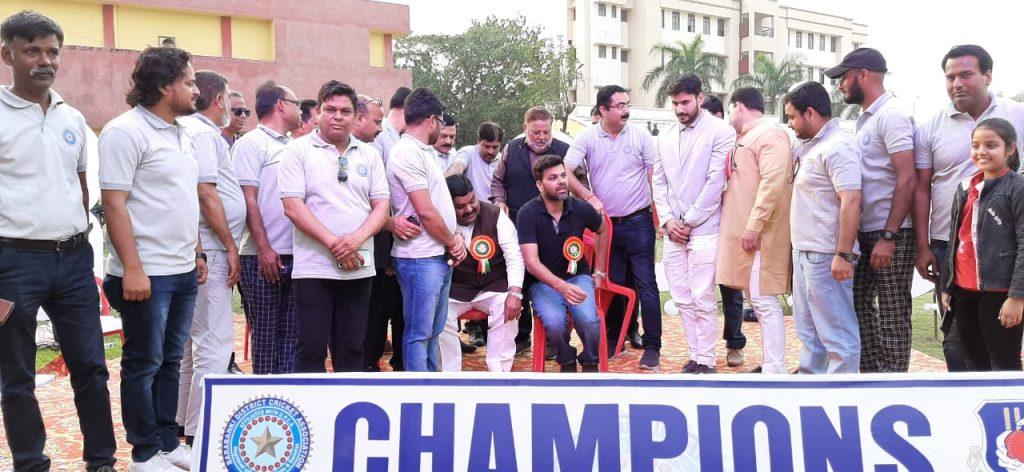 मेरठ को हरा यूपीसीए बनी चैंपियन, फाइनल में पहुंचे भारतीय टीम के पूर्व तेज गेंदबाज आरपी सिंह