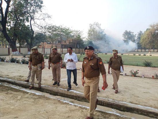 अमेठी: चौकियों का निरीक्षण करने पहुंचे पुलिस महानिरीक्षक